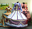 платья на манекенах из коллекции